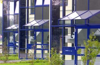 Büroriegel Eingänge im Detail