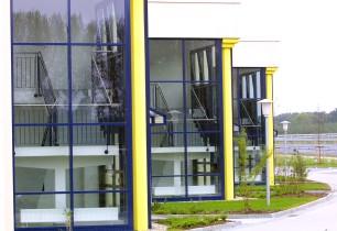 Büroriegel Treppenhäuser und Säulen