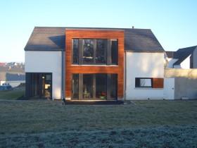 Modernes Wohnhaus Traufansicht
